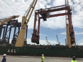 AAL Brisbane – Discharging of RTGs in Veracruz