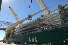 AAL Dalian - Wind Energy - Discharging 51 Giant Windmill Blades in Corpus Christi, USA