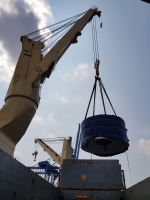 AAL Fremantle - Discharging Railway Equipment in Singapore from Nansha, China