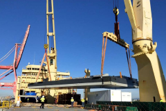 AAL Melbourne - Discharging Pontoon ((30.05 x 16.32 x 3.25m, 140t) in Brisbane from Shanghai