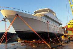 AAL Shanghai - Discharging Yacht in Brisbane