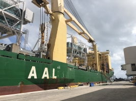 AAL Singapore - Discharging Passenger Bridges in Miami