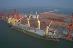 AAL's 31,000dwt 'AAL Brisbane' loading HRSG Modules in Penglai and destined for Sokhna