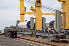Warnow Jupiter – AAL's W-class Vessel: Discharging of Windmill Towers in Tandem Lift
